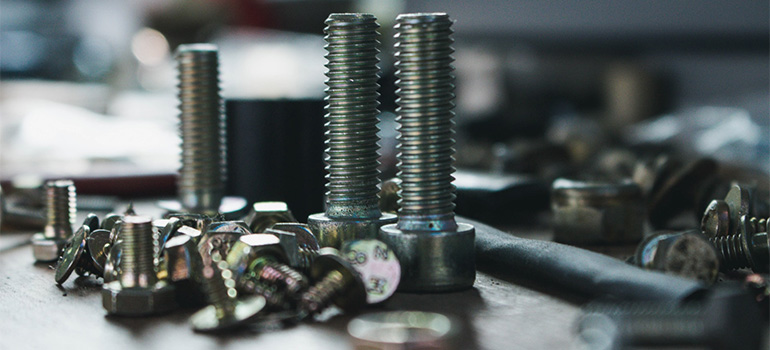 A bunch of screws