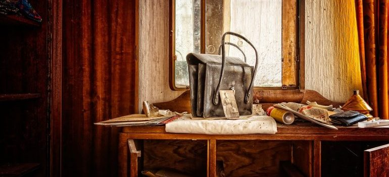 clutter items