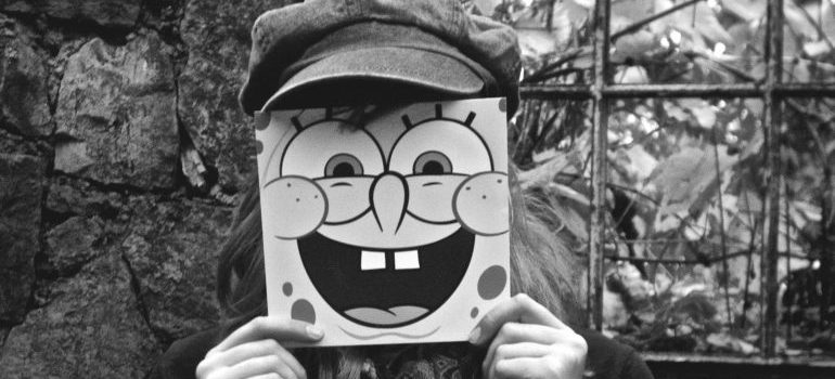 Create a Halloween costume based on Sponge Bob.