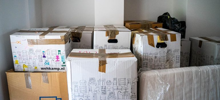 In which order to unpack your boxes