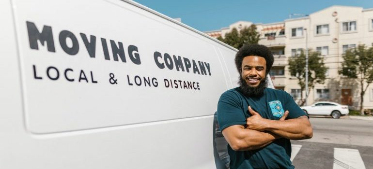 Mover from moving company